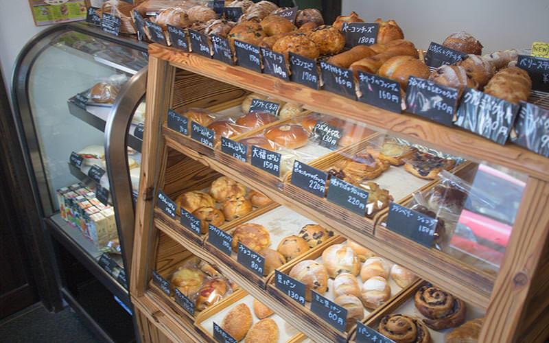 伊勢市のパン屋「PLATINI」店内はこんな感じ