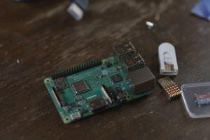 Raspberry Pi 3 Model b+始めるならNoobs入ってるキットがオススメ